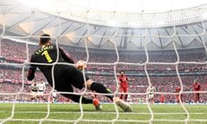Mohamed Salah scores from the penalty spot