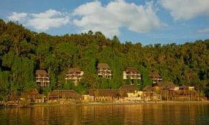 Approaching Gaya island resort by boat.