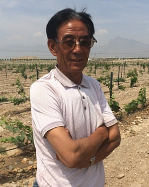 Ling Shixiong, Silver Heights' vineyard manager