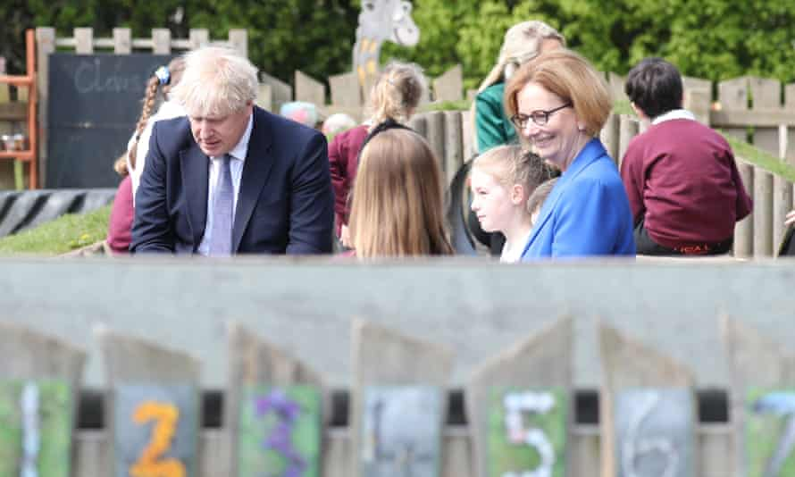 Boris Johnson visits Cleves Cross primary school with Julia Gillard