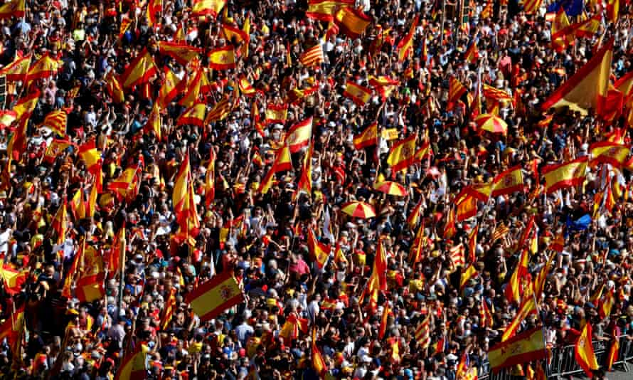 Pro-Spanish unity supporters in central Barcelona on Sunday