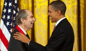 US president Barack Obama presents the National Humanities Medal to Roth in a 2011 ceremony.
