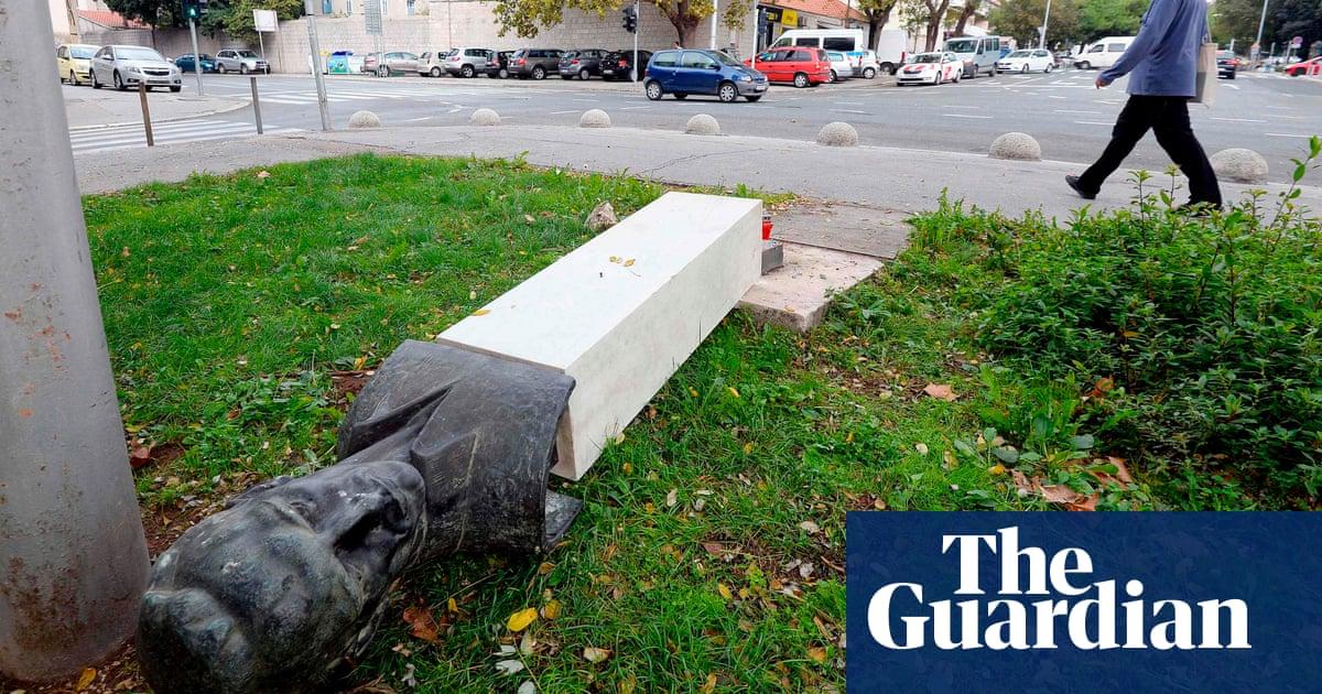 Croatian man breaks leg vandalising anti-fascist monument