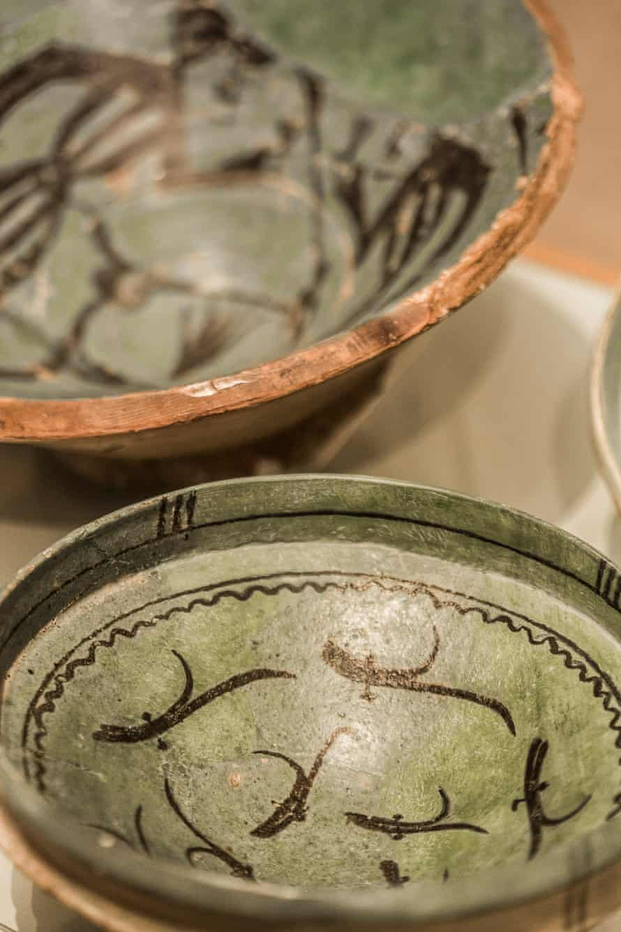 A centuries-old pottery bowl in the Alhambra Museum