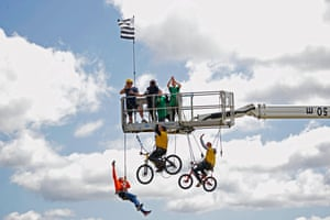 Stage 2: Fans enjoy an elevated viewpoint during the 2nd stage between Perros-Guirec and Mûr-de-Bretagne Guerlédan