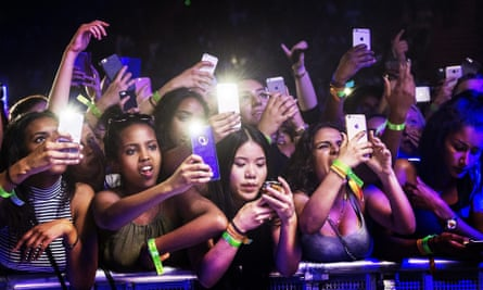Phones and music go together, thanks to the proliferation of new apps.