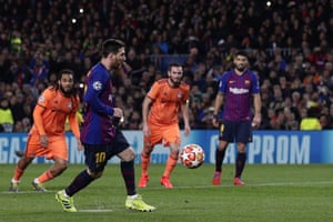 Messi scores the opener from the spot.