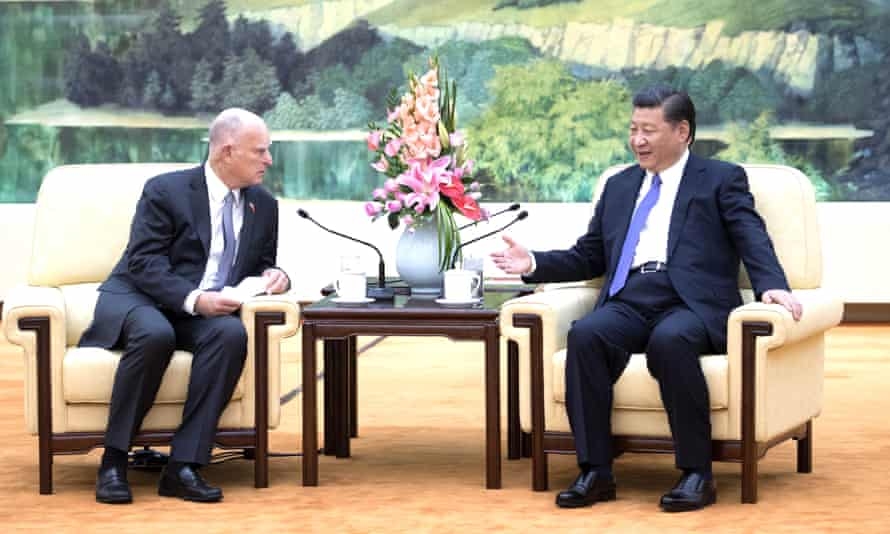 Chinese president Xi Jinping meets visiting California governor Jerry Brown.