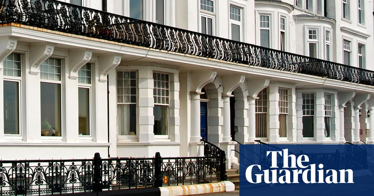 Do I have to pay capital gains tax when I sell my flat because I had two lodgers?