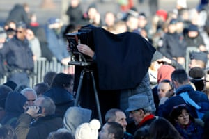 The French photojournalist Eric Bouvet records the event