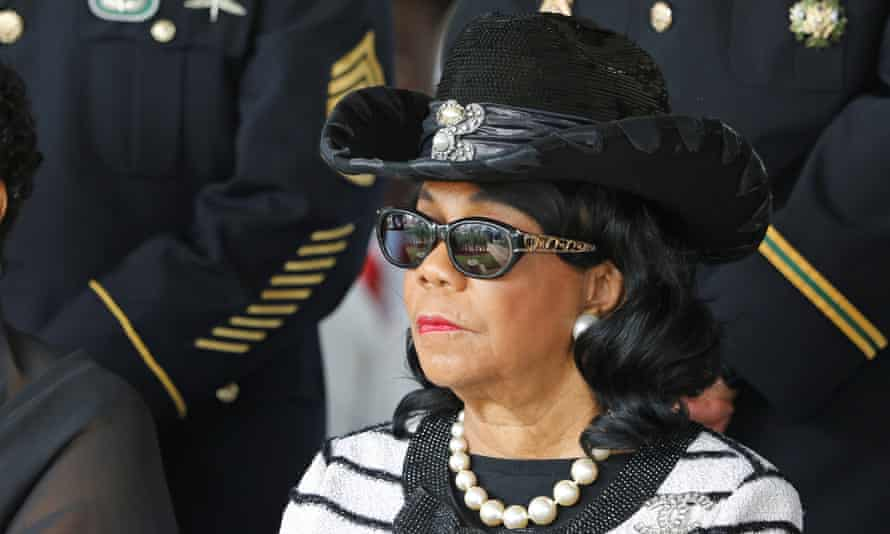 Congresswoman Frederica Wilson attends the graveside service for Sgt La David Johnson, who was among four special forces soldiers killed in Niger, in Hollywood, Florida, on Saturday.
