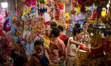 Hanoi residents shop for the recent mid-autumn festival.