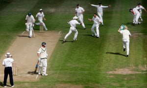 England celebrate the moment of victory after Steve Harmison dismissed Michael Kasprowicz to seal a win by two runs and level the 2005 Ashes series at 1-1.
