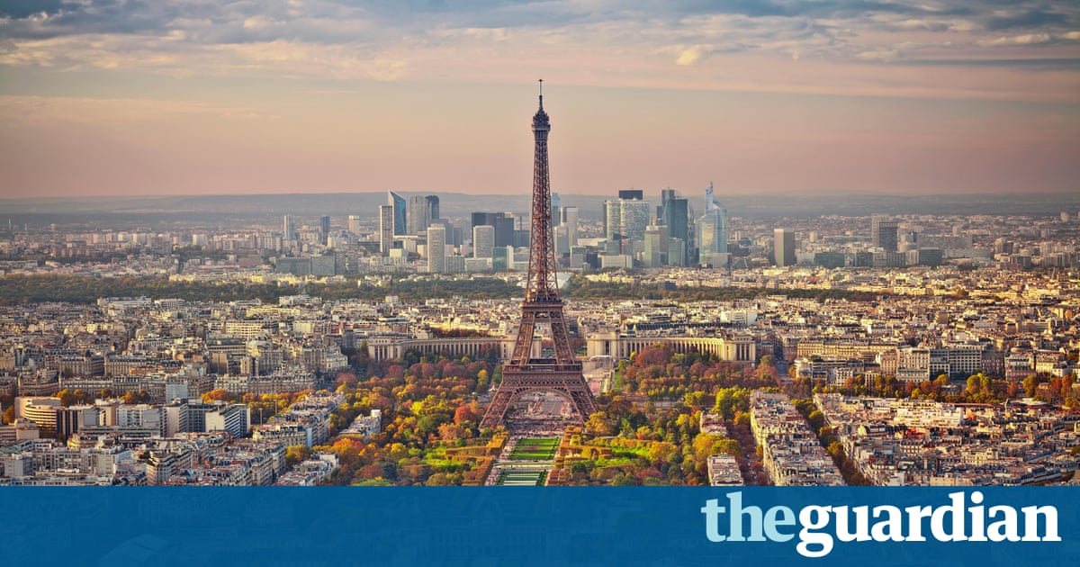 airbnb in paris to warn hosts over illegal listings travel the guardian. Black Bedroom Furniture Sets. Home Design Ideas