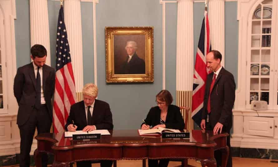 Jo Johnson  and Judith G. Garber signed the U.S.-UK Science and Technology Agreement on Sept. 20 in Washington, D.C.