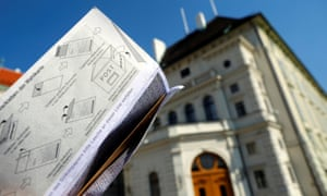 An Austrian postal ballot in front of the presidential office in Vienna