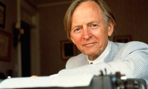 Tom Wolfe's sartorial fireworks fitted in well with his eccentric literary style.