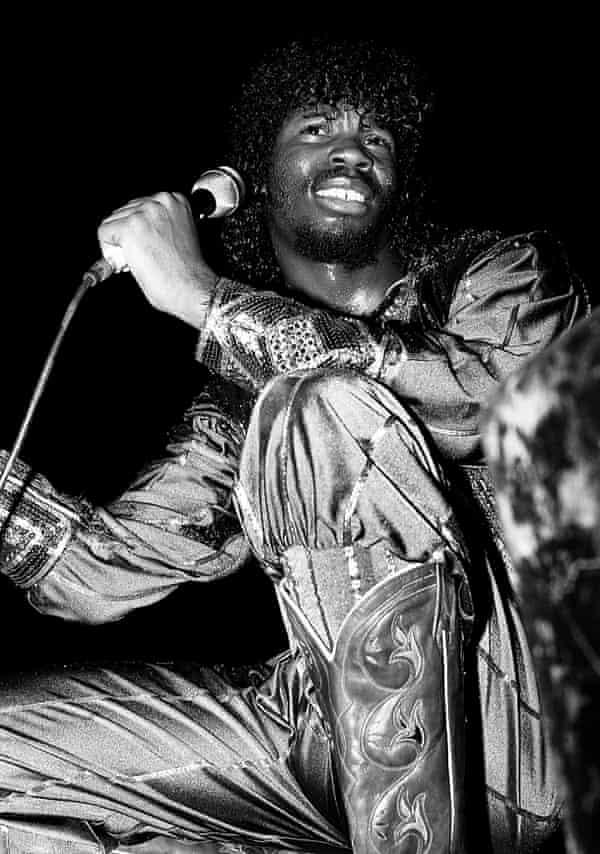 Steve Arrington performing in 1982.