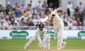 Buttler brings up his 50.