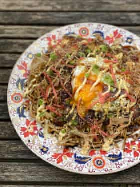 Tim Anderson's 'ridiculously good' Hiroshima version of okonomiyaki, with a fried egg to boot.