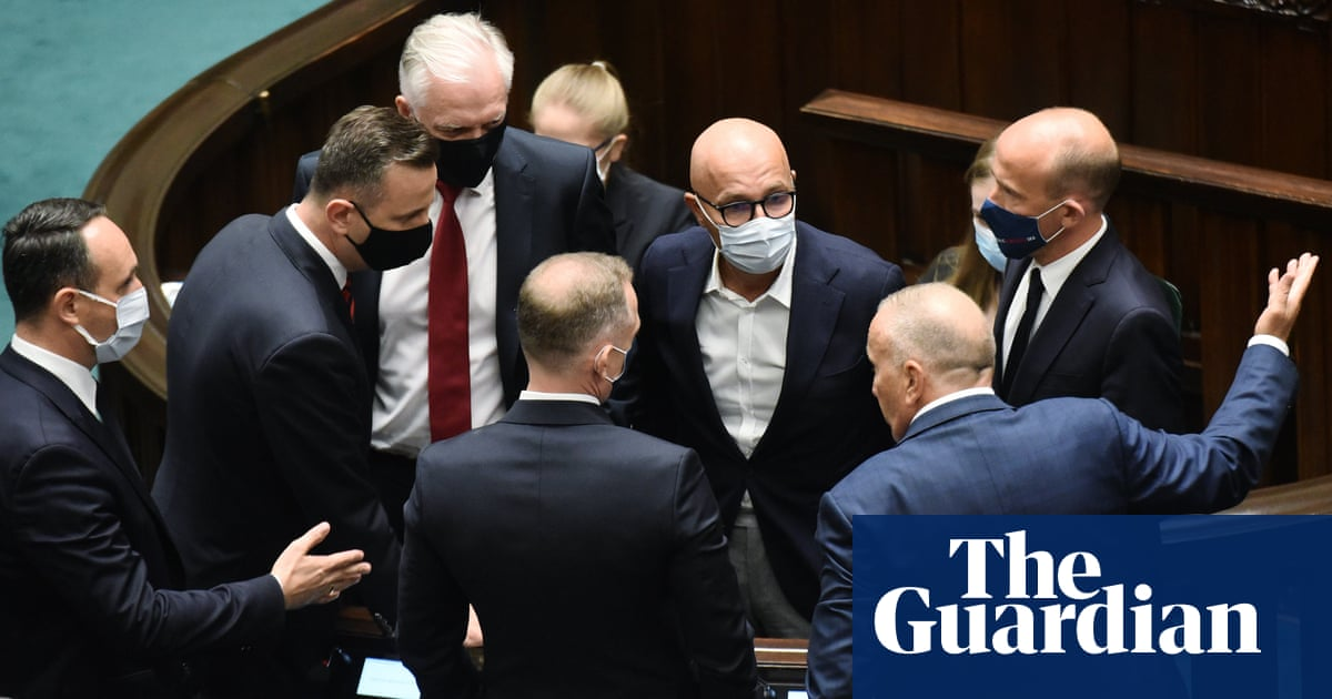 US 'deeply troubled' by controversial Poland media bill