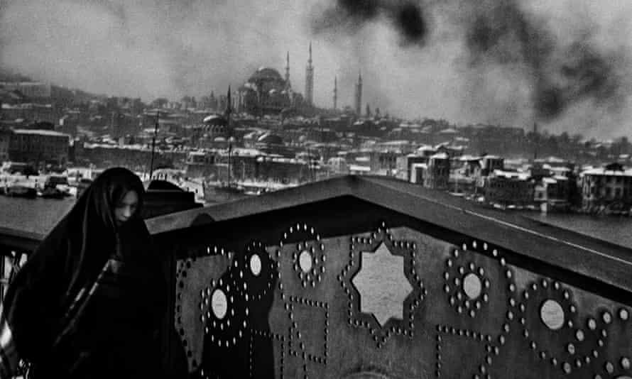 Galata, Istanbul, 1955, taken by Ara Güler.