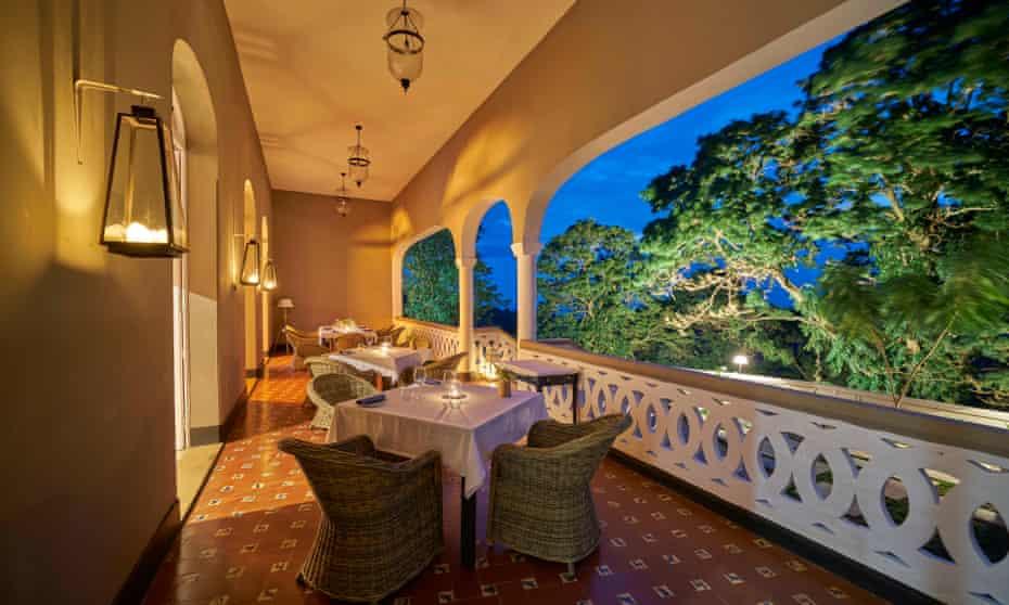 Dining balcony at Roca Sundy