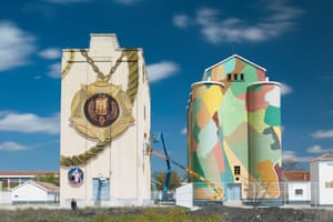 Mural by Daniel Muñoz and Spok Brillor in La Mancha, Spain, as part of the Titanes project
