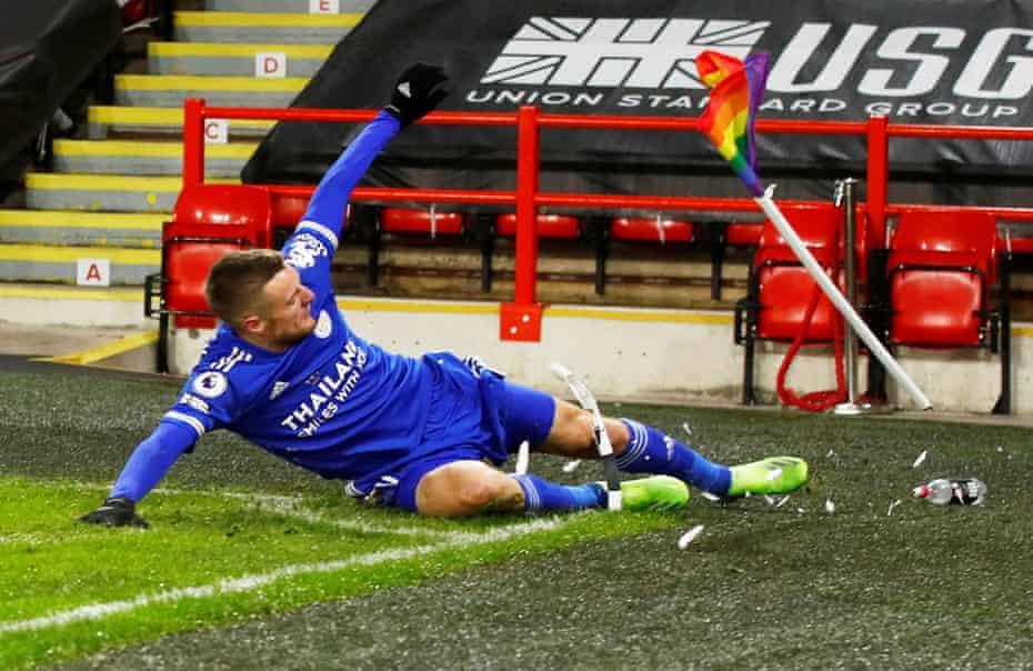 Jamie Vardy kicks the corner flag in celebration after his late winner at Bramall Lane.