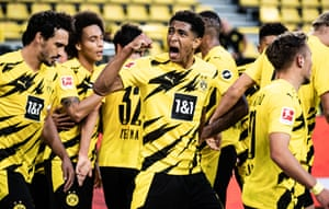 Jude Bellingham celebrates with his teammates after Giovanni Reyna scored Borussia Dortmund's first goal in their 3-0 win over Borussia Mönchengladbach in September 2020.