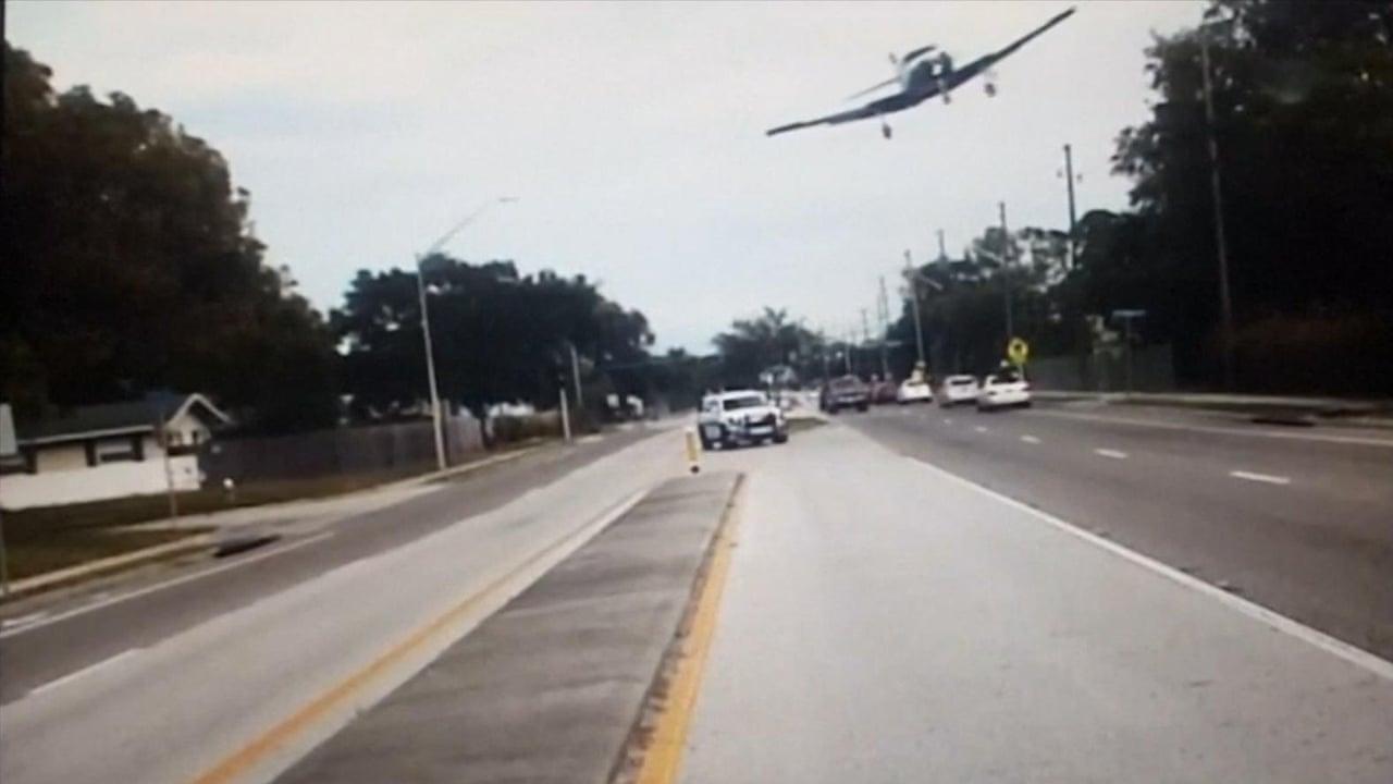 Dashcam video shows plane crash-landing in Florida – video  4c0c29202