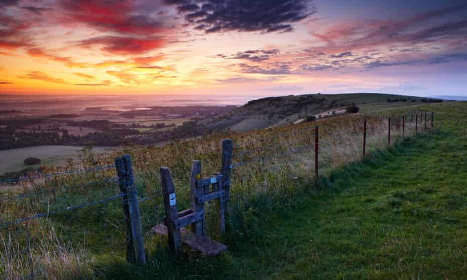 Views from Ditching Beacon along the South Downs Way at dawn.