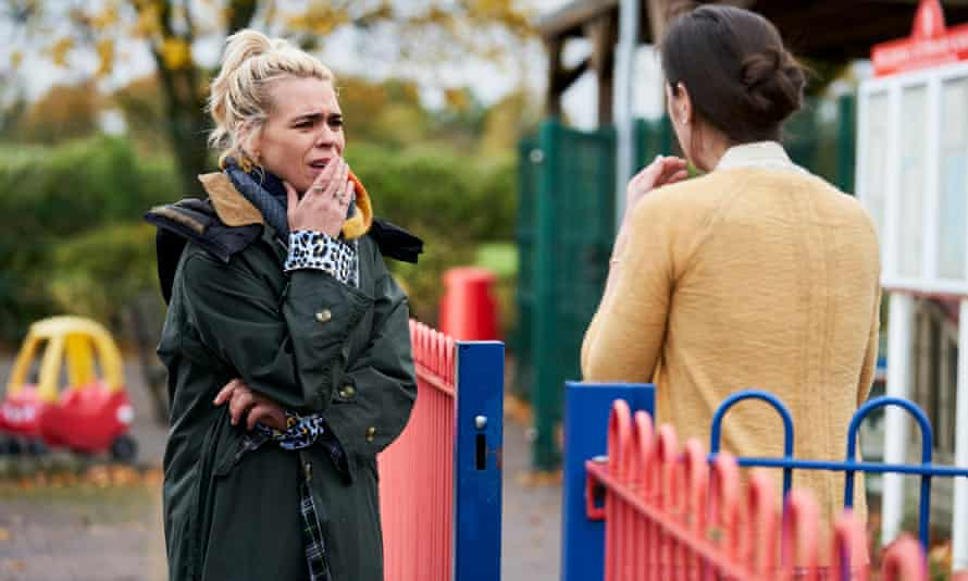 Billie Piper wearing a Barbour jacket in the midst of her identity crisis in I Hate Suzie.