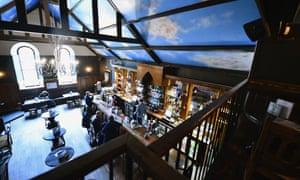 The former Crosslands pub, now the Kelbourne Saint, where the infamous balcony scene was filmed.