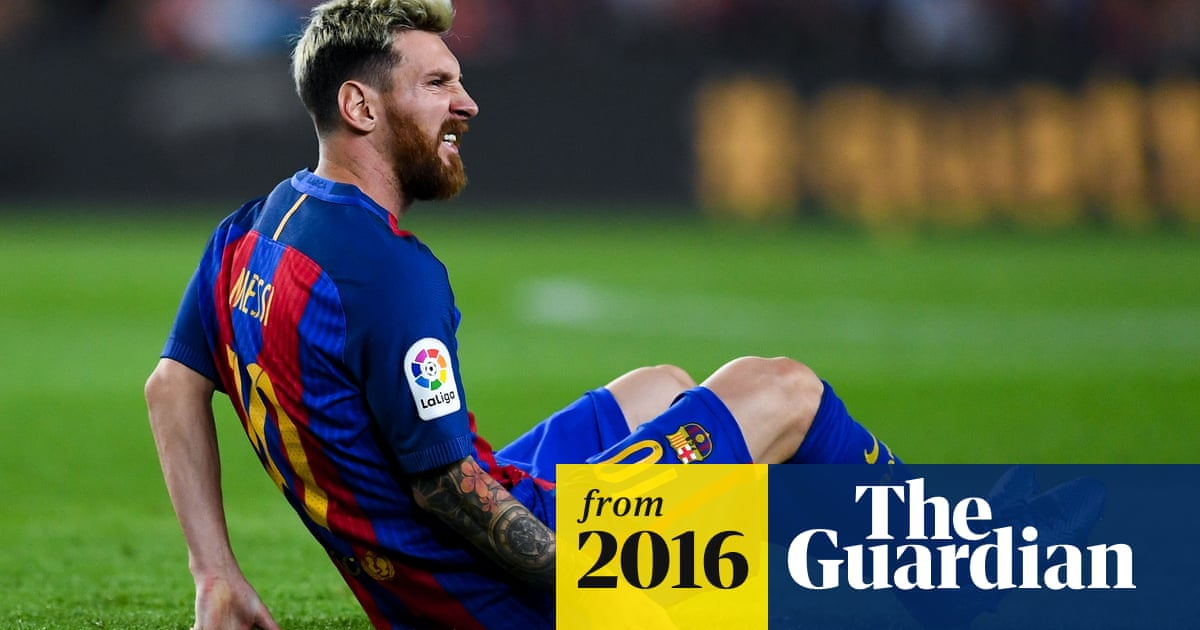 Barcelona lose Lionel Messi to groin injury during draw with