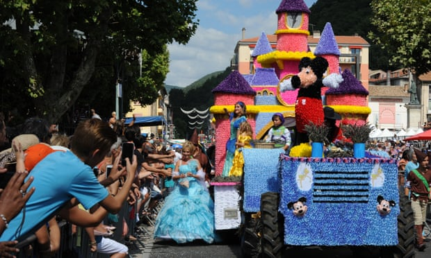 20 Festival Tradisional Besar di Kota Kecil Eropa