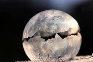 Frozen Bubble, a frozen soap bubble by Daniela Rapav.