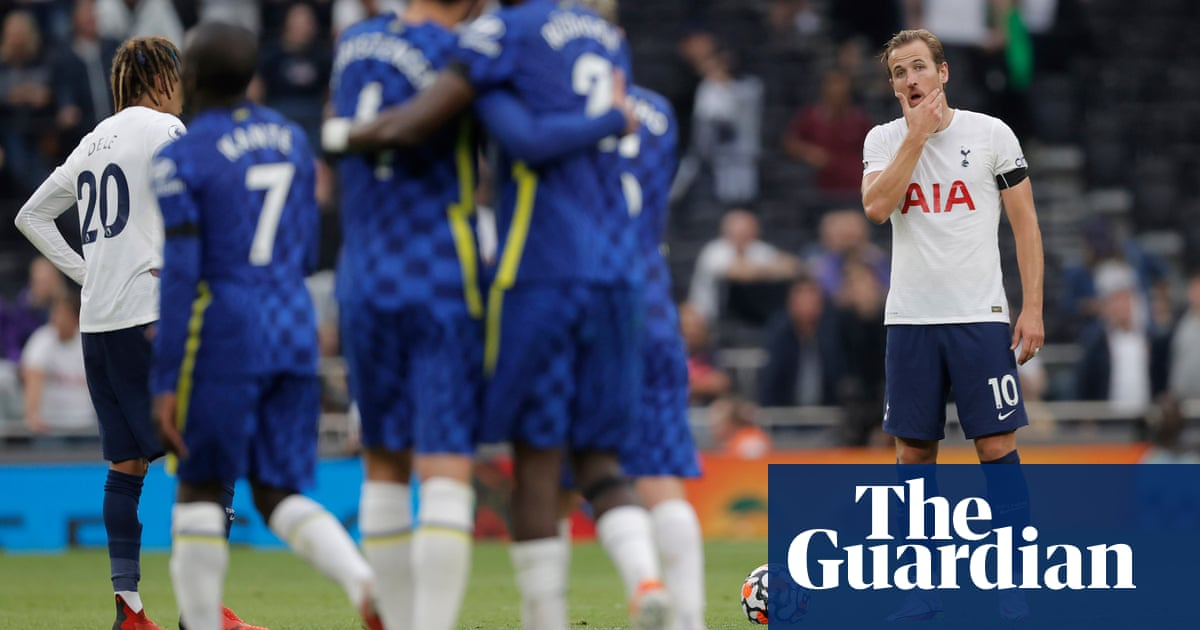 Tottenham 'have a lot of problems' admits Nuno after Chelsea defeat