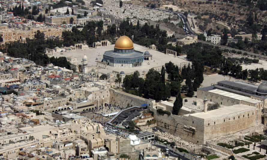 Tthe Dome of the Rock (L) in the compound known to Muslims as Haram al-Sharif, in Jerusalem's old city.