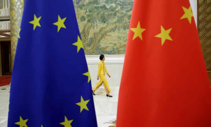 EU and China flags at a Beijing meeting in 2018
