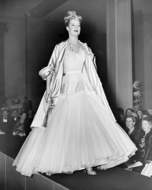 2842b1bc14f5 Presentation of the Adélaïde ensemble from the spring−summer 1948 haute  couture collection, during