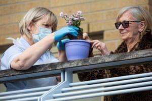 Gardening on a balcony at McKillop Gardens
