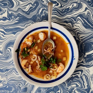 Monika Linton's sopa de pescado.
