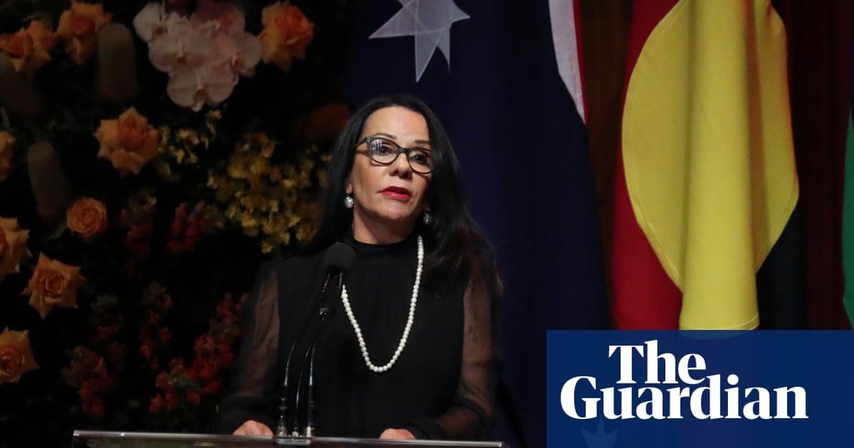 Linda Burney demands government sort out Aboriginal flag 'secret agreement'