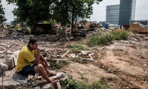 Some residents have refused to move out of Rio's Vila Autódromo until they receive an eviction order from the municipal authorities.