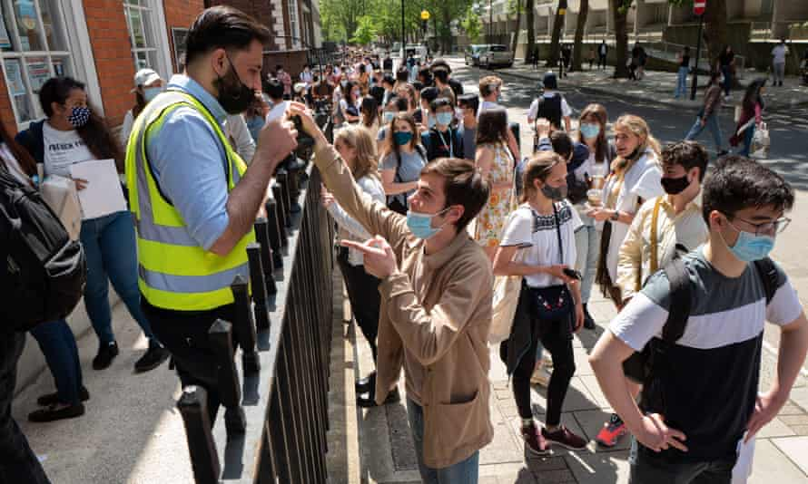 Thousands of UCL students turn up for their Covid jab in Bloomsbury this month.