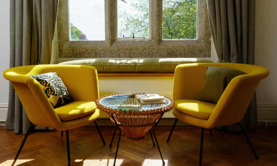 Hotel Meudon drawing room window view c.Lee Searle