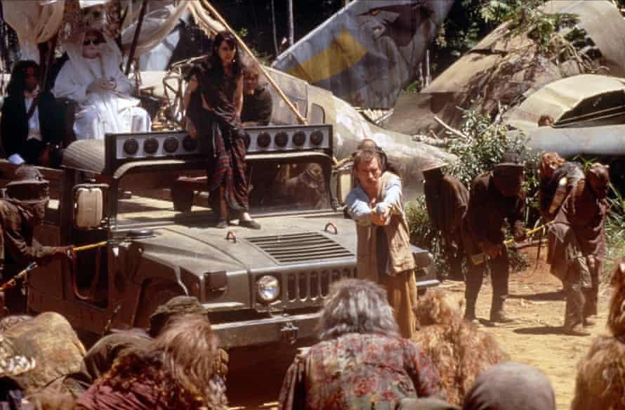 Marlon Brando, Fairuza Balk and David Thewlis in The Island of Dr Moreau (1996).