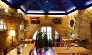 Cafe Van Gogh, Oval, London
