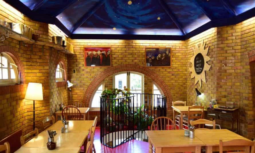 Interior shot of Cafe Van Gogh, Oval, London.